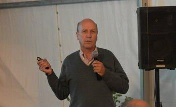 Gabriel Capurro Álvarez durante la conferencia<br>