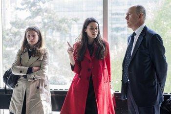 Los abogados que representan a la familia real británica llegan al Palacio de Justicia de Nanterre, cerca de París