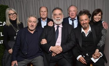 El padrino: abajo Robert De Niro, Francis Ford Coppola, Al Pacino; arriba Diane Keaton, Robert Duvall, James Caan, Talia Shire.