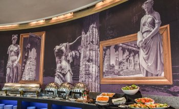 <b>Mural  con referencias griegas para la renovación del Arcadia</b>