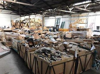 La lista de repuestos y partes que venderá Mario Suhr en remate es tan amplia como diversa<br>