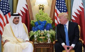 Donald Trump y el Emir catarí Sheikh Tamim Bin Hamad US President Donald Trump (R) and Qatar