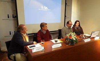 Fabio Montossi, Matias Mailhos, Miguel Sierra y Verónica Musselli en la última conferencia del INIA.<br>