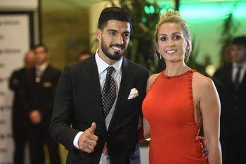 Luis Suárez y Sofía Balbi <br>
