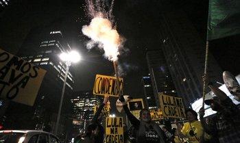 Brasileños celebran luego de que Lula da Silva fue condenado a nueve años y medio de prisión