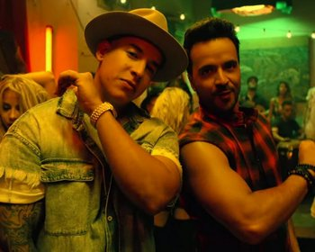 Daddy Yankee y Luis Fonsi en el clip de <i>Despacito</i>