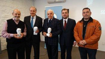 Elbio Acuña, Antonio Mercader, Carlos Ricagni, Antonio Oliva y Gabriel Román en una ceremonia del Círculo Uruguayo de la Publicidad