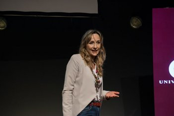 Laura Raffo fue la primera oradora de la jornada