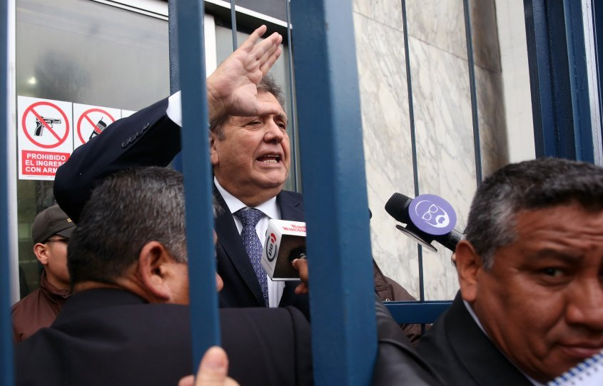 Alan García: cancillería uruguaya evaluará pedido de asilo político