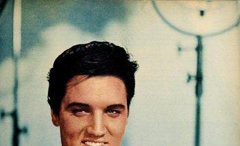 Elvis en una producción para la revista Modern Screen, junio de 1958