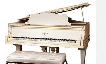 El piano estuvo en manos privadas desde el año 1980 hasta la fecha<br>
