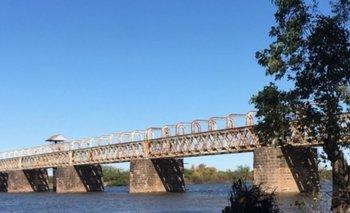 Puente ferrocarril sobre el río Negro en Paso de los Toros, inaugurado el 6 de enero de 1887
