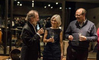 Juan Bouza, Elisa Trabal y Eduardo Boido, de bodega Bouza, en la presentación del vino.