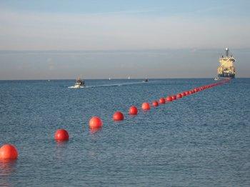 Trabajos de extensión de cable submarino de ANTEL<br>