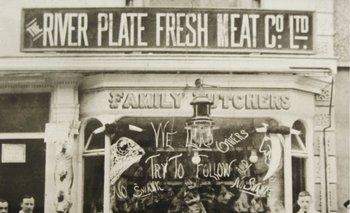 Puesto de venta de The River Plate Fresh Meat Company en Inglaterra a inicios del siglo XX