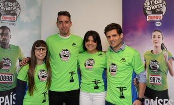 Martín Cuestas y Camila Bagnasco, junto a sus acompañantes quienes también<br>viajarán.<br>