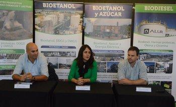 Nicolás Ferrari, Victoria Hernández y Juan Pablo Silveira realizaron los anuncios.<br>