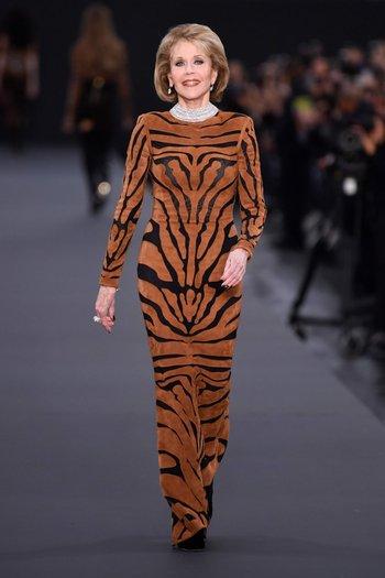 Jane Fonda, de 79 años, también conquistó la pasarela en París