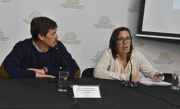 Marcelo Galain y Mariana Hill presentaron la novedad en la sala Schwedt del MGAP.<br>
