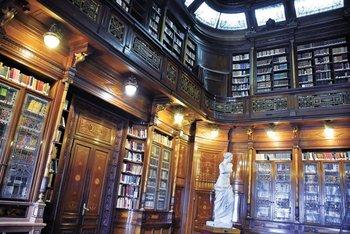 La Biblioteca del Palacio Legislativo funciona como apoyo para los legisladores pero también es pública.