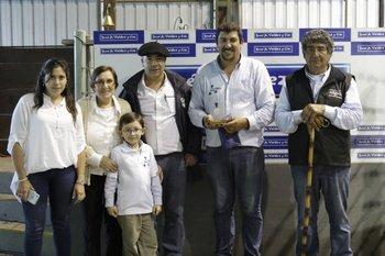 Integrantes de la familia Duarte con José Valdez este miércoles en Don Tito
