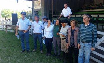 Integrantes de la cabaña y del escritorio este viernes en Guichón