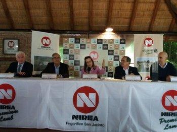 Embajadora de EEUU destacó el  trabajo con Uruguay para el envío de carne ovina con hueso