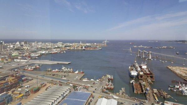 Denuncian que carga paraguaya sufre perjuicios en el puerto