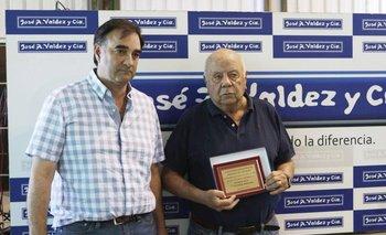 Fernando Rovira, presidente de Brangus Uruguay, con Abayubá Valdez