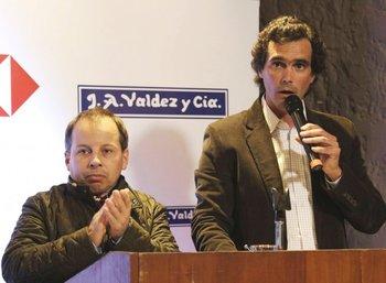 <b>Pablo Valdez, director de Valdez y Cía, con el rematador Alejandro Núñez</b><br>