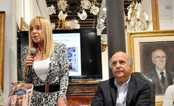 Eugenia Bavastro junto a su hermano Héctor, en la presentación del libro<br>