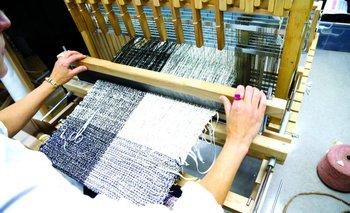 Las telas alternativas son una de las nuevas tendencias de la moda
