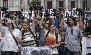 <div>Fotoperiodistas  en una manifestación contra las agresiones por parte de las fuerzas de seguridad frente al Congreso Nacional en Buenos Aires</div>