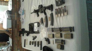 <b>Armas y municiones</b>