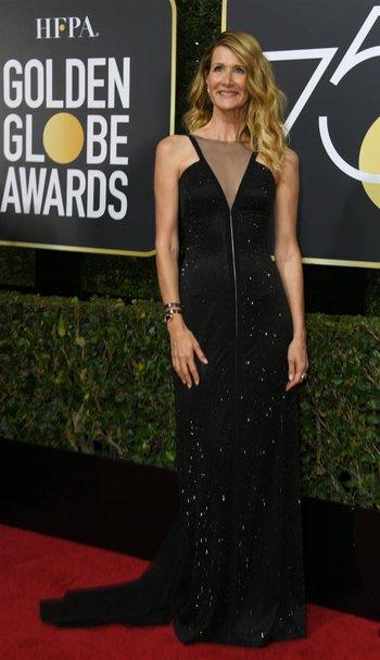 Laura Dern, ganadora como actriz secundaria de miniserie por <i>Big little lies</i>, vistió un diseño de la uruguaya Gabriela Hearst<br>