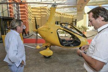 La aeronave para transporte personal llamó la atención de los curiosos