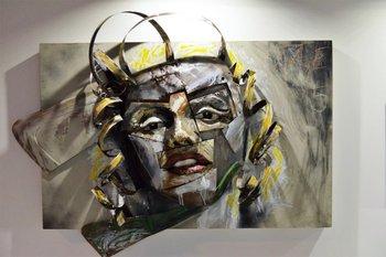 Una de las piezas expuestas por una galería participante del evento en el Centro de Convenciones<br>
