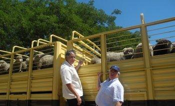 Edward Ávalos, subsecretario de Agricultura de EEUU, y Aguerre en Salto en noviembre de 2013<br>