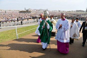 Francisco reunió a más de un millón de fieles este domingo al despedirse de Perú<br>