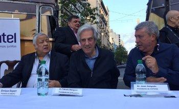 El presidente de Daecpu, Enrique Espert, el presidente de la República, Tabaré Vázquez, y el presidente de Cutcsa, Juan Salgado