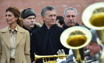 Juiana Awada y Mauricio Macri en el Kremlin. La primera dama usó una de sus fórmulas favoritas: el monotono<br>