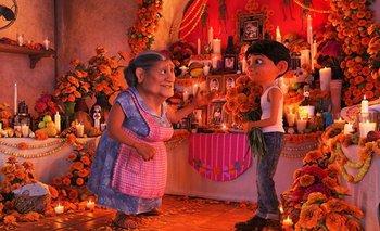En <i>Coco </i>la muerte es el eje de todo lo que sucede en pantalla; es uno de los mejores abordajes del tema para niños (y grandes)
