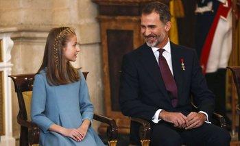 El rey Felipe de España junto a su hija Leonor en la ceremonia