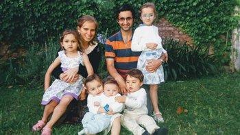 María Elena y Joaquín con sus cinco hijos