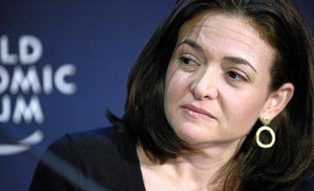 La directora operativa de Facebook, Sheryl Sandberg