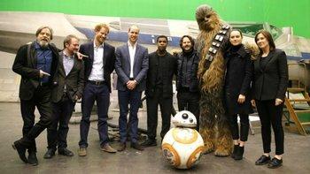 Los príncipes británicos en el set de<i> Star Wars: los últimos Jedi</i>