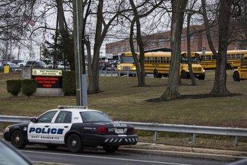 <b>La masacre en el liceo de Parkland puso en alerta a otras instituciones educativas</b>