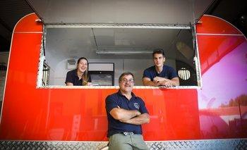 Carlos Píriz con sus dos hijos, Joanna y Diego de la empresa Carlitur