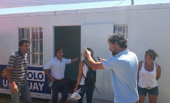 Lacalle Pou durante su visita al stand de Un Solo Uruguay en la Expoactiva
