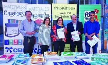 Héctor Florit (CEIP), Rosita Ángelo (directora de Educación), Irupé Buzzetti (CEIP), Jorge Ginel (Unilever) y Pablo Caggiani (CEIP)